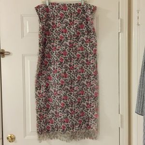 Accessories - Sweet brown and red floral scarf